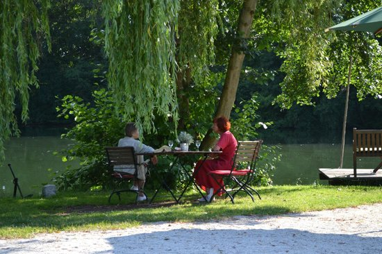 Brückenhaus am Schaalsee: Zum Verweilen eingeladen