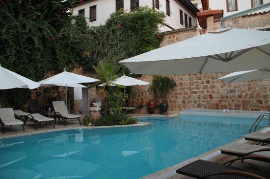 Dogan Hotel : _