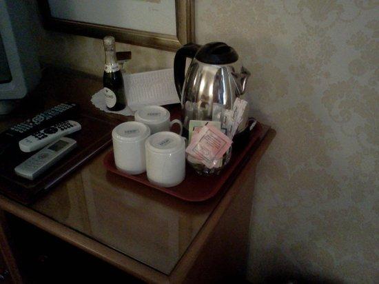 Hotel Genio: serviço de chá no quarto