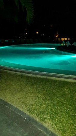 Canonnier Beachcomber Golf Resort & Spa: Swimming pool