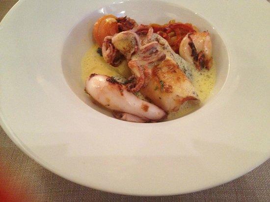 Relais Chantovent: calamars risotto à l'encre de seiche