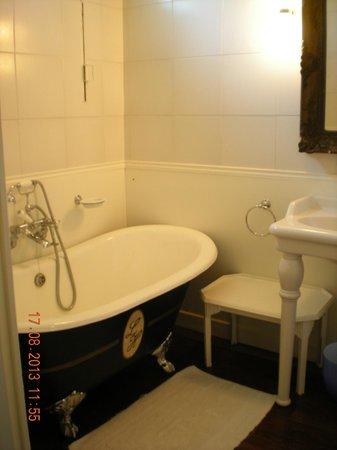 Hotel Le Home: bagno