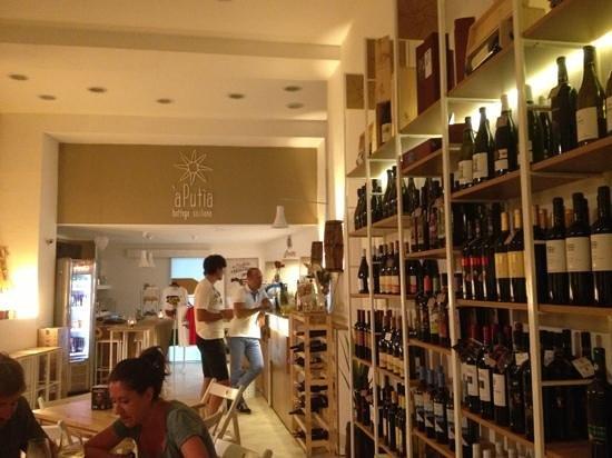 A' Putia Bottega Siciliana: perfetto per aperitivo e gustare ottimi vini