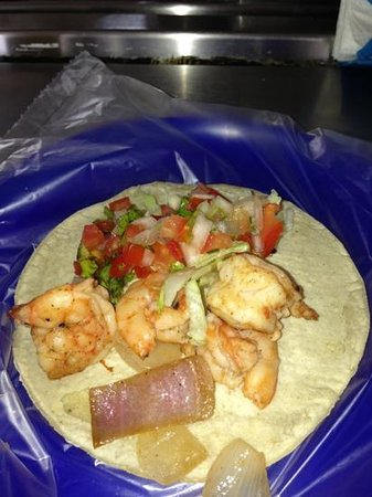 Mariscos Cisneros: Shrimp Taco! Yummy!