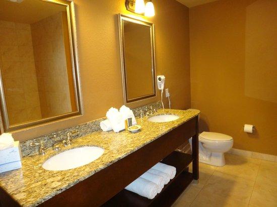 Lake Eve Resort: Bathroom