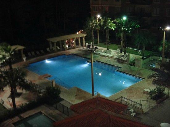 Lake Eve Resort: The Pool