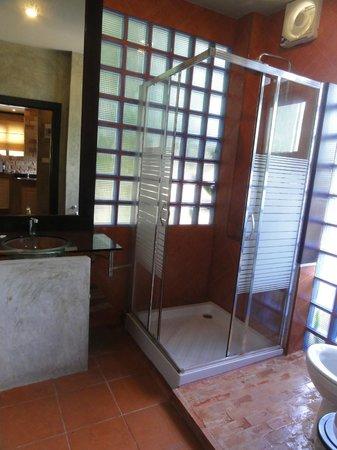 Sunshine Residence: Bathroom