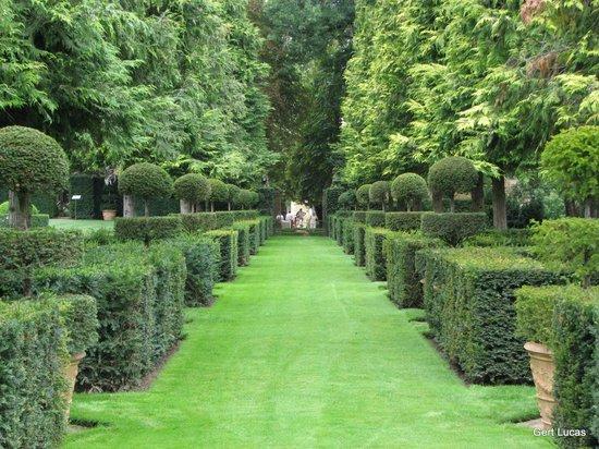 Les jardins du manoir d 39 eyrignac picture of les jardins du manoir d eyrignac salignac - Jardins du manoir d eyrignac ...