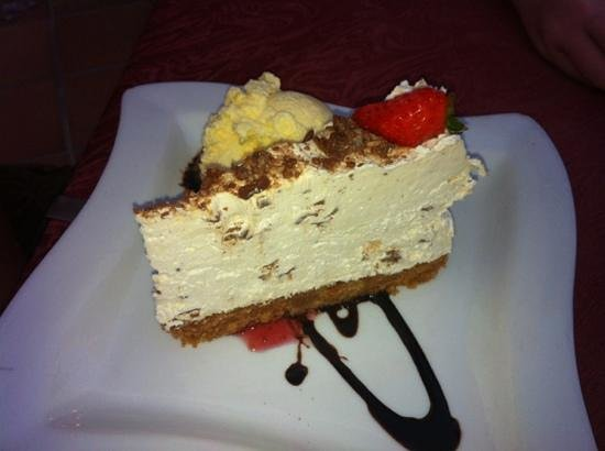 Rendezvous Bar & Bistro: the most stunning cheesecake ever!