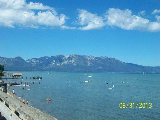 Lake Tahoe Vacation Resort : View from beach