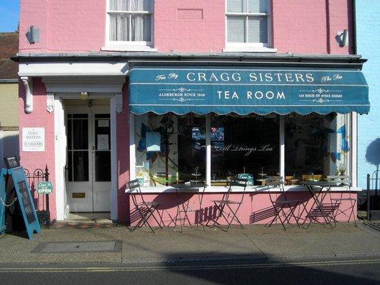 Cragg Sisters Tearoom: Exterior