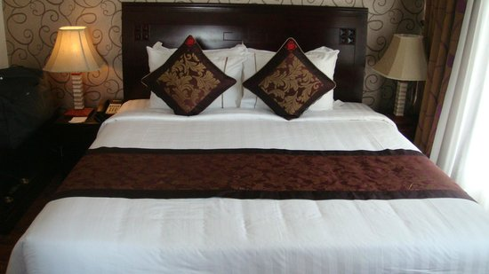 Golden Central Hotel : letto