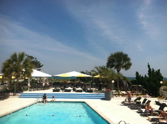 Blockade Runner Beach Resort: great pool