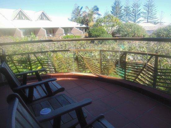 Beach Hotel: Balcony in room