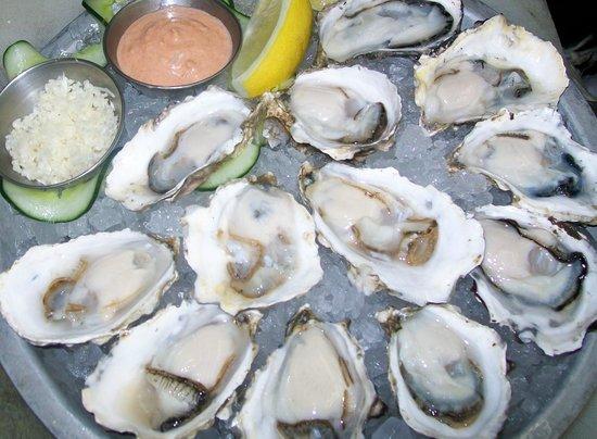 Dundarave Fish Market: Fresh BC oyster