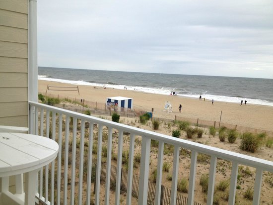 Atlantic View Hotel: Overcast but still nice!