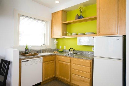 Venice Suites: Unit 48 Kitchen