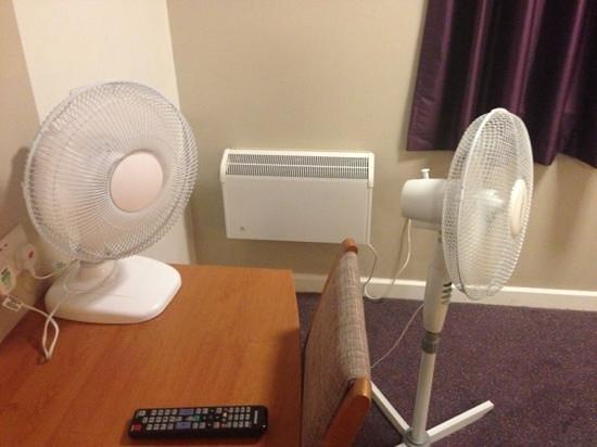 Premier Inn Southampton (Eastleigh) Hotel: No Air Conditioning