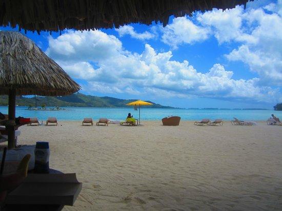 Four Seasons Resort Bora Bora: private beach