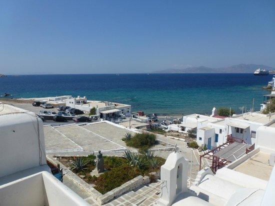 Marietta's Apartments & Studios: Another view from rooftop verandah
