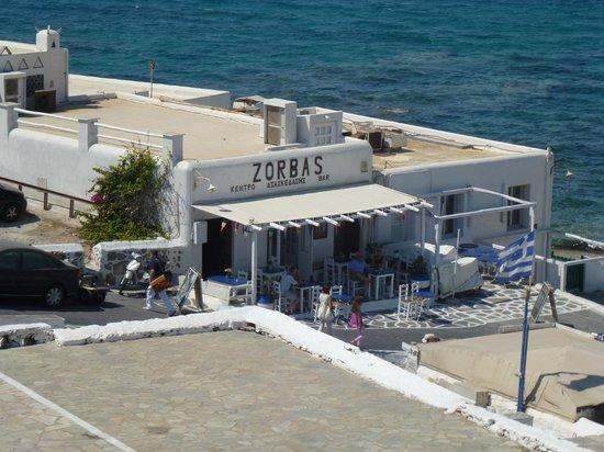 Marietta's Apartments & Studios: Zorba's Restaurant from Marietta's rooftop verandah