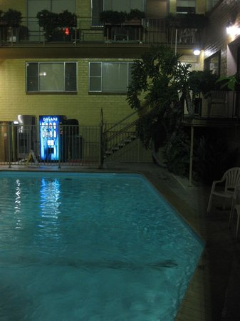 Hollywood Downtowner Inn: Clean and nice pool