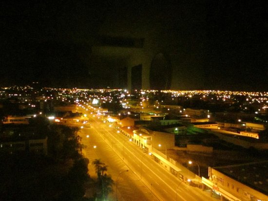 Hilton Windhoek: Nice night view from Hotel Room, cannot deny that.