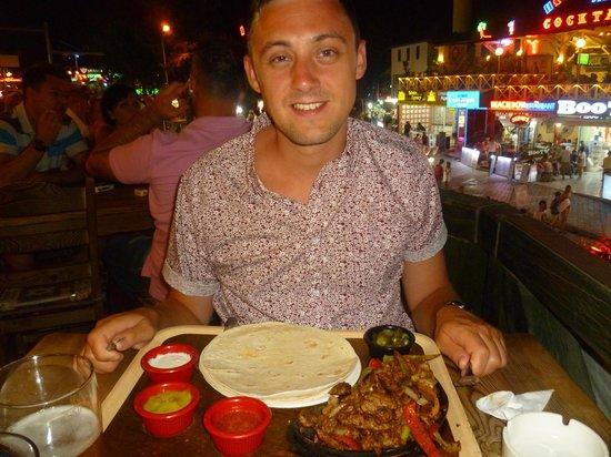 Castelleo's: Steak Fajitas!