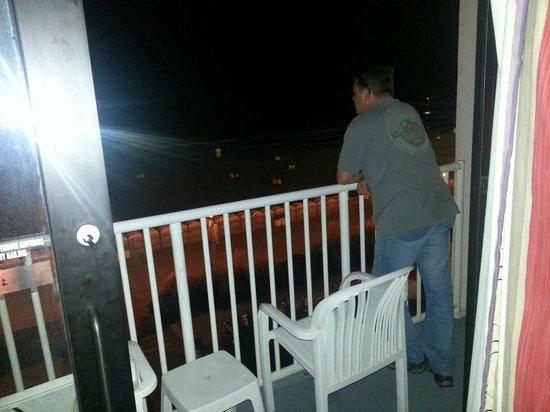 Dolphin Inn: Ocean balcony