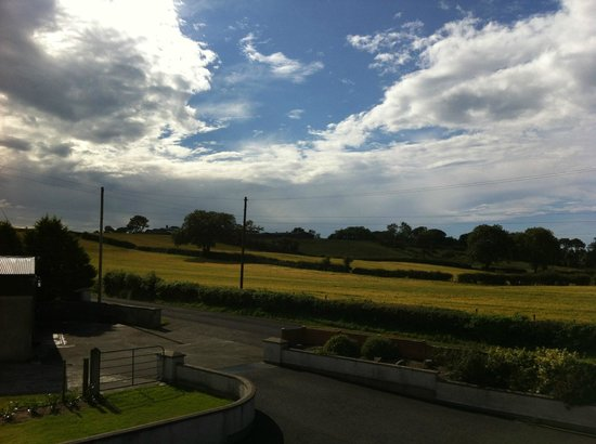 Brown's Country House Bed and Breakfast: View from my room. Yes, the sky is sunny in N.Ireland!