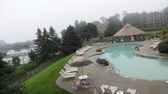 Holiday Inn Bar Harbor Regency: Room view