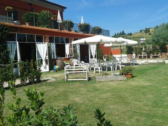 Tenuta Santini: giardino