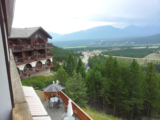 Rocky Mountain Springs Lodge and Restaurant: A view from the room balcony
