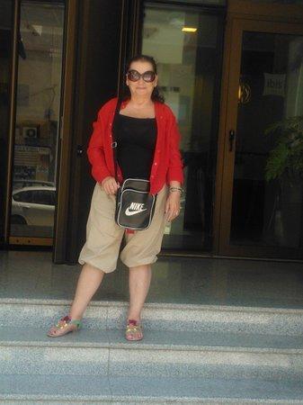 Ibis Tunis: roll de entrada com porta giratoria