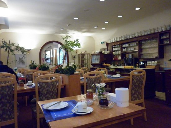 St. Georges: Breakfast room