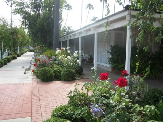 Town and Country San Diego: T&C cottages