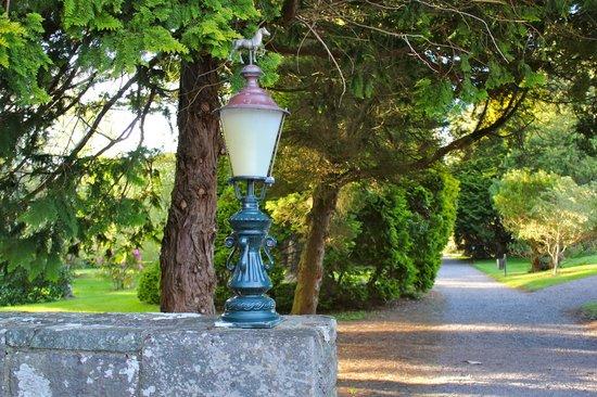 The Dunloe : Entering the castle gardens