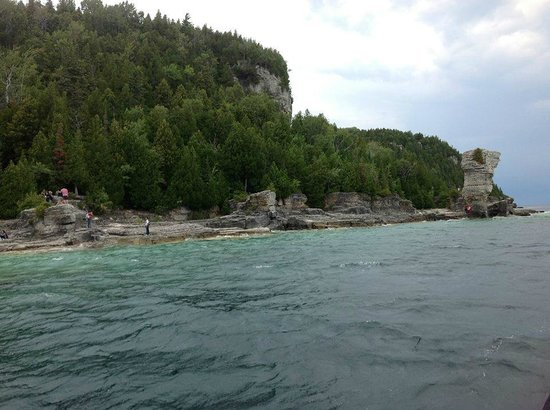 Flowerpot Island Lighthouse : View of Island from the ferry