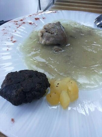 Tapa Negra: Carrillera,morcilla y manzana