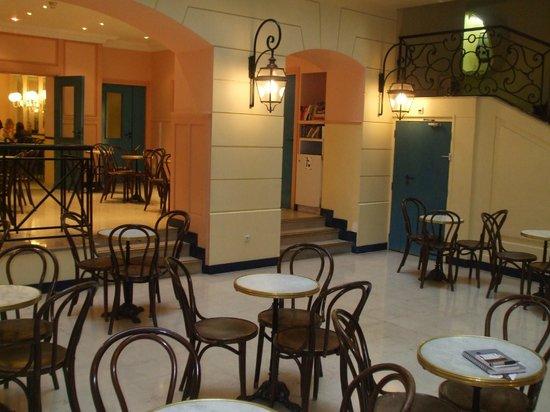 Bvj Paris Louvre: Restaurante