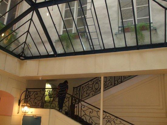 Bvj Paris Louvre : Hotel