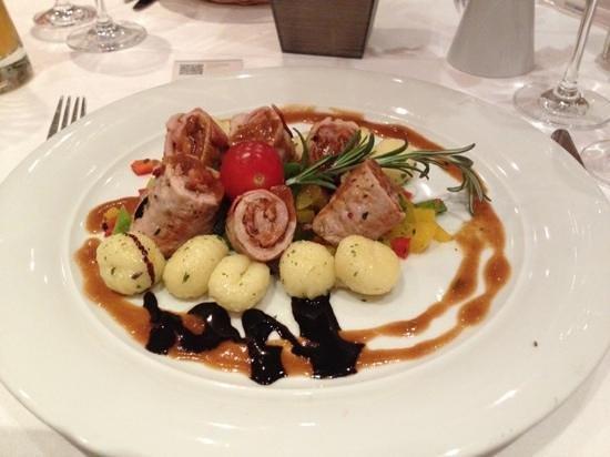 Welcome Hotel Bad Arolsen: involtini di vitello con julienne di peperoni