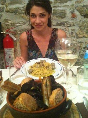 IL Grottino: zuppa di pesce e spaghetti all'acciugata