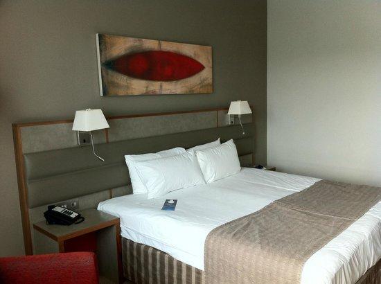 Radisson Blu Hotel Durham: Large comfortable bed
