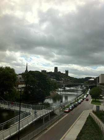 Radisson Blu Hotel Durham: View towards the Cathedrale
