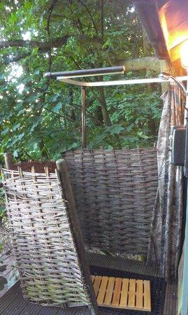 North Hill Farm: outdoor shower