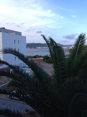 Nereida Aparthotel: sea view