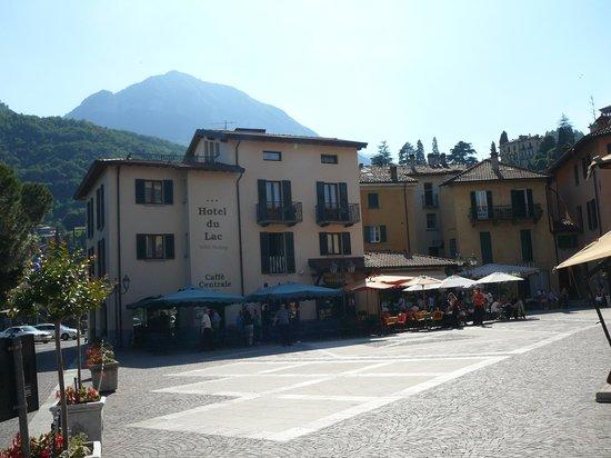 Hotel du Lac: Piazza Garibaldi
