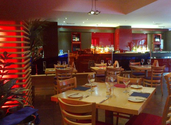 Gianni's Brio Restaurant & Pizzeria: colourful but not too much