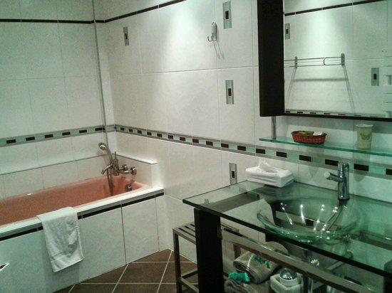 Logis Le Bailliage : salle de bain